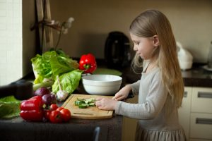 Cooking-with-Kids-e1473377976353